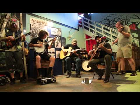 Shawn James and the Shapeshifters Live acoustic Love me or Die