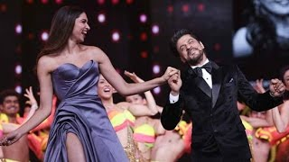 Shahrukh Khan And Deepika Padukone Dance Performance At Lux Golden Rose Awards 2016