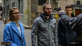Барри, Оливер и Кара в переулках Готэма
