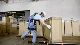Японская компания обеспечила работников экзоскелетами (новости)
