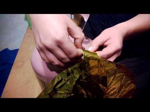 Надуваем фольгированный шарик