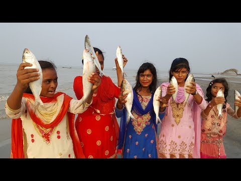 Fishing & Cooking On Island | Catch Alive Hilsa/Elish Fish From Padma River | Prepared Picnic Food