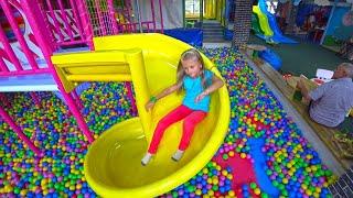 Ярослава в Развлекательном Центре для Детей! Indoor Playground for kids Play Center!