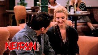 """Джо целует Фиби  — Сериал """"Друзья"""" (Эпизод 17) Романтичный момент из сериала"""