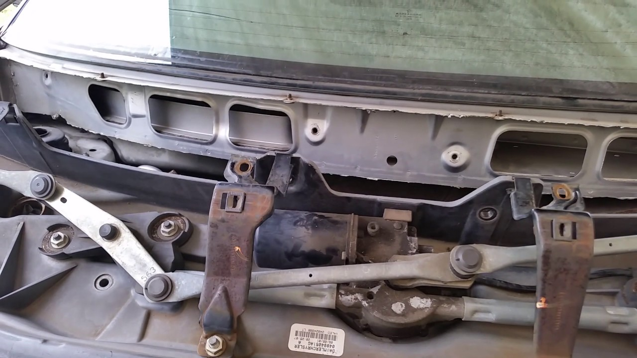 Caravan Wiper Assy Easy Removal For Spark Plugs Rear