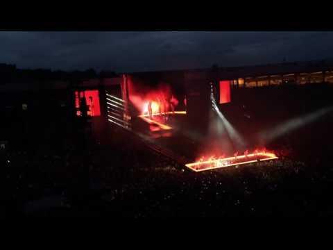 Beyoncé Formation Tour Glasgow- Survivor Dancing in Water!
