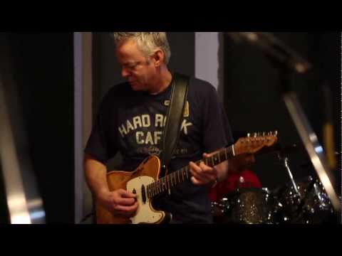 Tommy Emmanuel & band rehearse The Journey