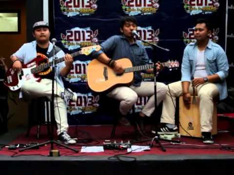 "ThreeLittleBirds Trio  - Pesan Terakhir (Acoustic Version) @ ""SIDESTREAM"" 99ers Radio Bandung"