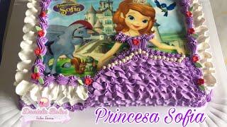 Confeitando bolo princesinha Sofia