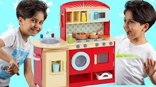 SADO 'NUN DEV OYUNCAK MUTFAK SETİ !! Sado Pretend Play with DELUXE Kitchen Toy Set - Fun Kids Video
