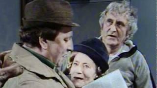 Fleksnes Fataliteter - S05E06 - Morderen som forsvant - 1982 - Del 3/3 thumbnail