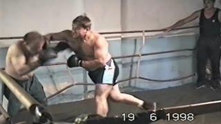 Жестокий бокс двух мужиков [Посмотрите, не пожалеете](Моя партнерская программа VSP Group. Подключайся! https://youpartnerwsp.com/ru/join?62779 ☚☚☚ ▻Если понравилось видео, то..., 2015-12-18T21:06:38.000Z)