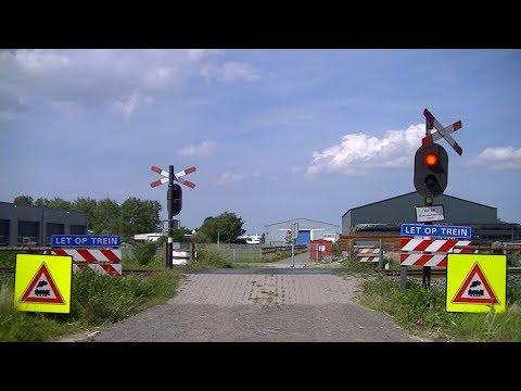 Spoorwegovergang Harlingen // Dutch railroad crossing