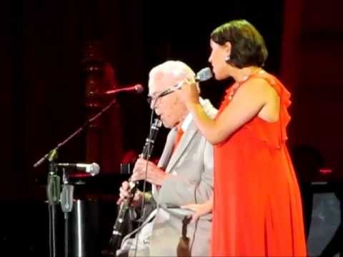 Pink Martini ft. Norman Leyden, Hang On Little Tomato