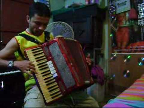 enrique castor do acordeon