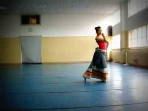 Nan Nan Su, principle dancer with the Shanghai Opera House - Traditional Folk Dance