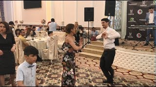Молодые Танцуют Очень Классно В Баку 2018 Чеченская лезгинка ALISHKA САКИТ САМЕДОВ