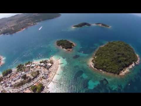 Ora News – Vanity Fair: Tirana, e re dhe dinamike si kryebashkiaku i saj, Erion Veliaj