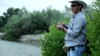 Ловля усача на травку в Греции(В этом видео мы покажем вам как ловить усача на травку,мы ловим рыбу в самой прекрасной и живописной стране..., 2014-07-11T22:21:17.000Z)