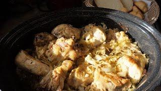 Квашеная капуста с курицей в духовке
