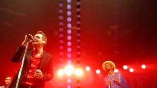 Keane ft. K'naan - Looking back at The Fridge