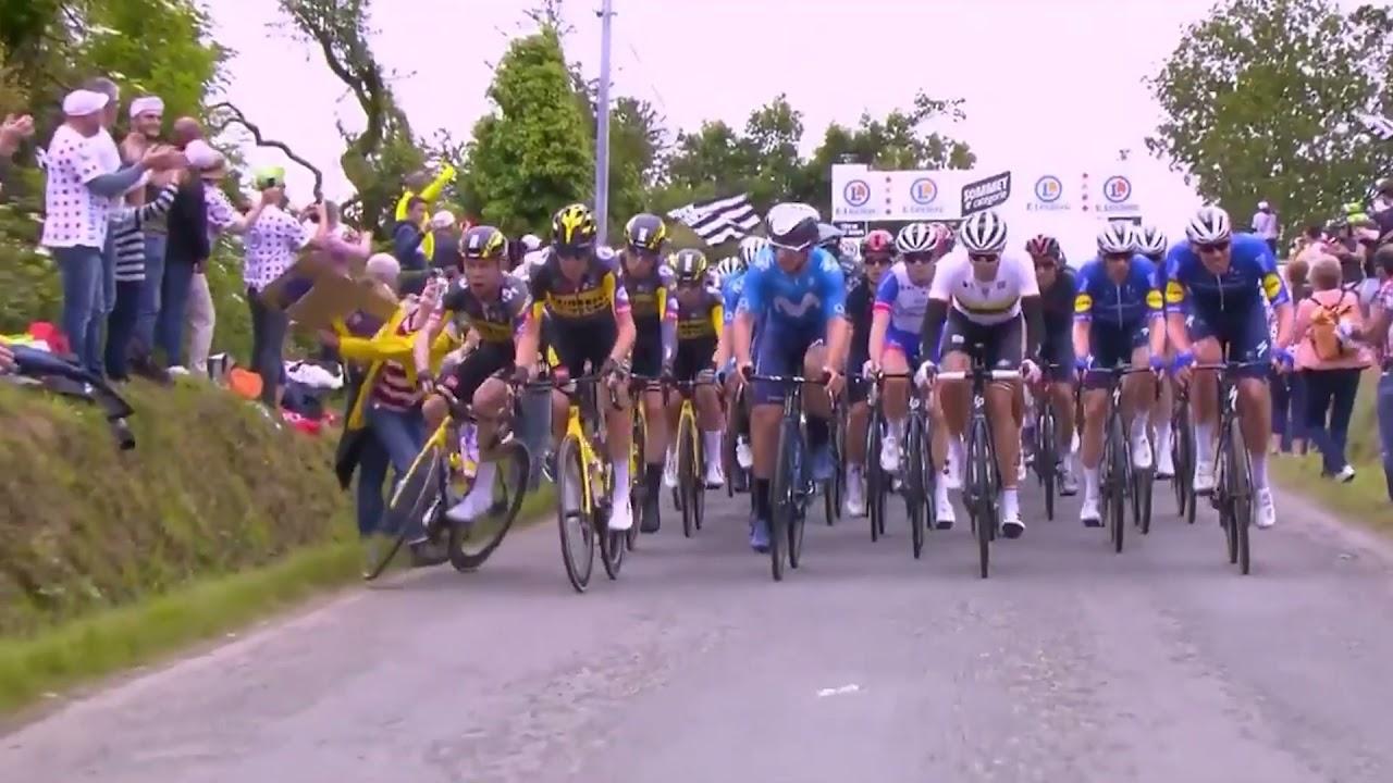 Download Vidéo - La spectatrice fait tomber les cyclistes (Tour de France)