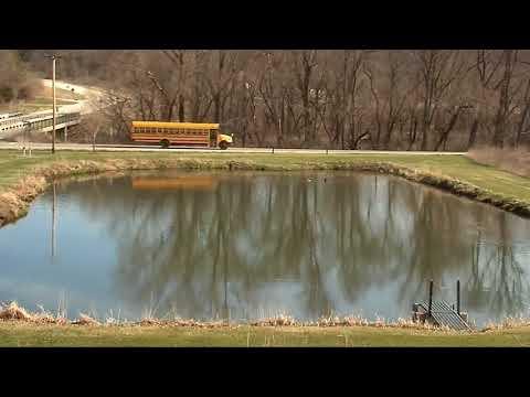 Decorah Eagles, Mom Catches Fish! 4/26/18