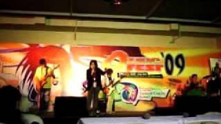 Performed at the OZINE Fest 2009 last April 5, 2009 at the Megatrad...