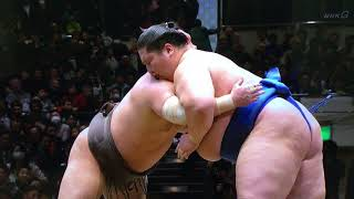 The first yokozuna to see action on Day 2 is Hakuho and his opponen...