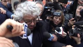 """Grillo: """"Alleanza con Pd? Come dire a un panda di mangiare carne cruda"""""""