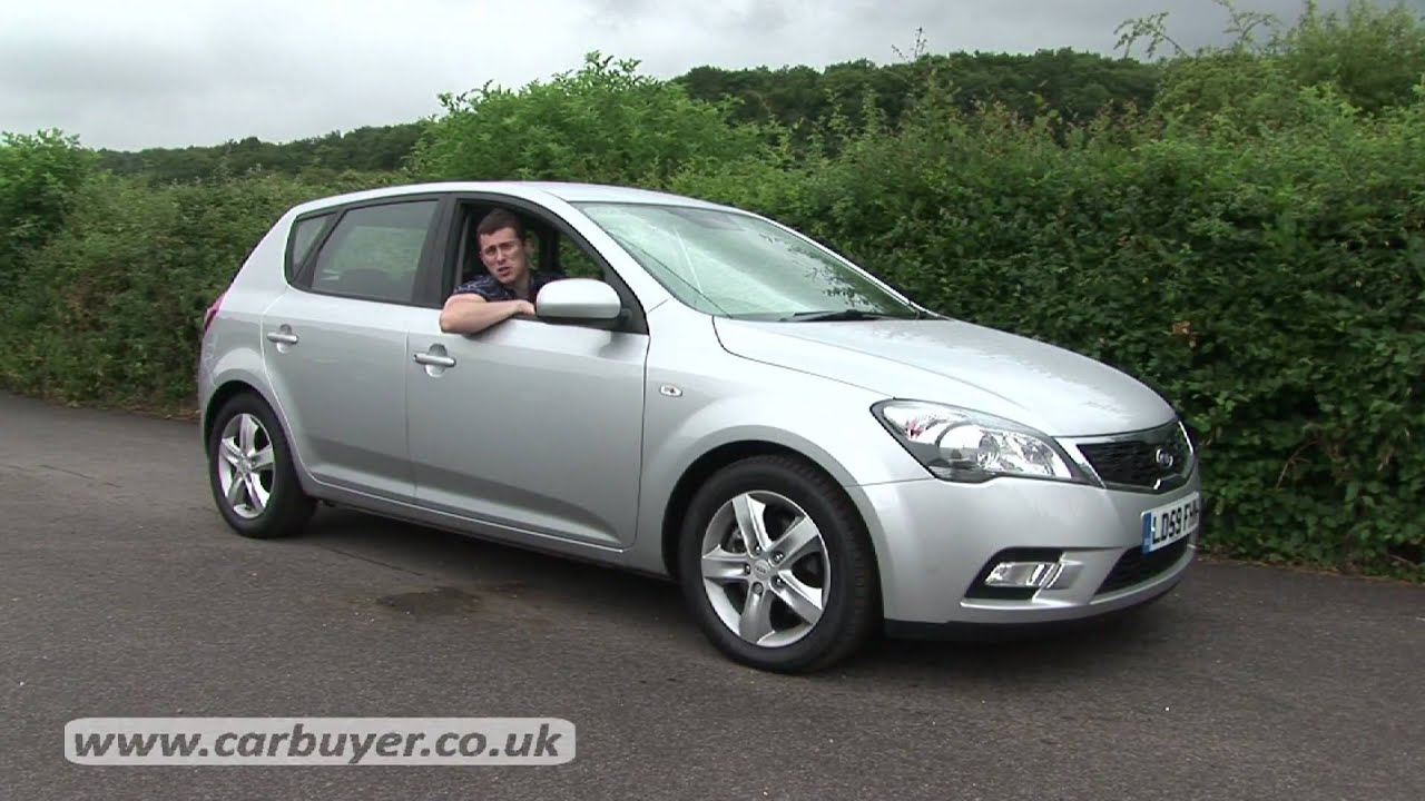 kia cee 39 d hatchback 2007 2012 review carbuyer youtube. Black Bedroom Furniture Sets. Home Design Ideas