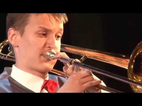 Оякяэр «Веселая полька» Исполняет духовой оркестр, солист Дмитрий Рябцовский