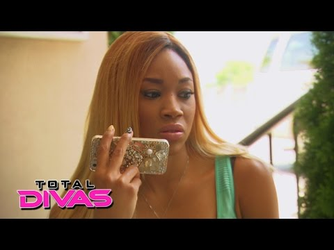 Cameron gets a heartbreaking phone call from her mother: Total Divas, Oct. 5, 2014