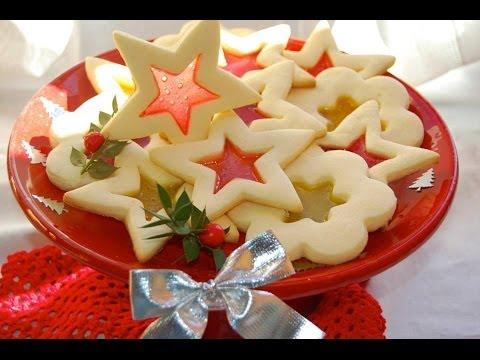 Biscotti Di Natale Effetto Vetro.Biscotti Di Natale Effetto Vetro Le Ricette Di Delizieepasticci