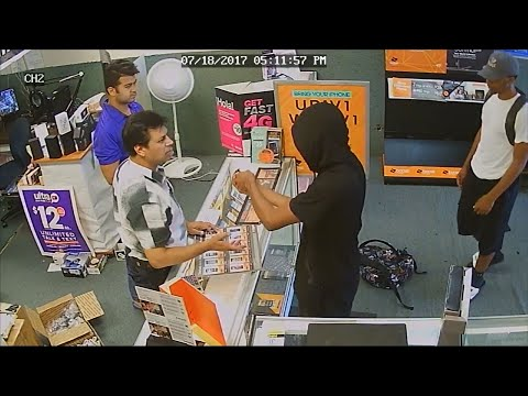 Texas Store Clerks Fight Off Robbers