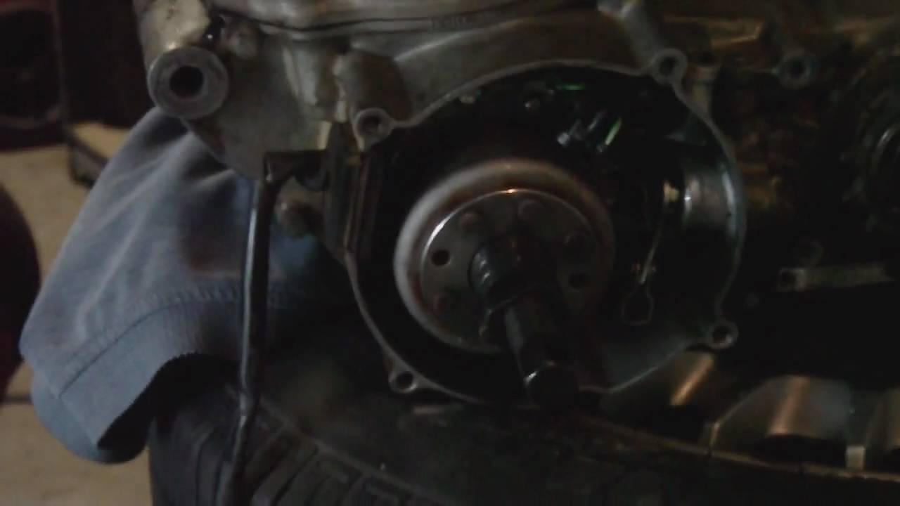 2 stroke flywheel removal and preparing to split the case  CR250 example