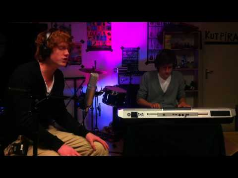 Ed Sheeran - The A Team (Lucky Label Cover) LIVE VIDEO