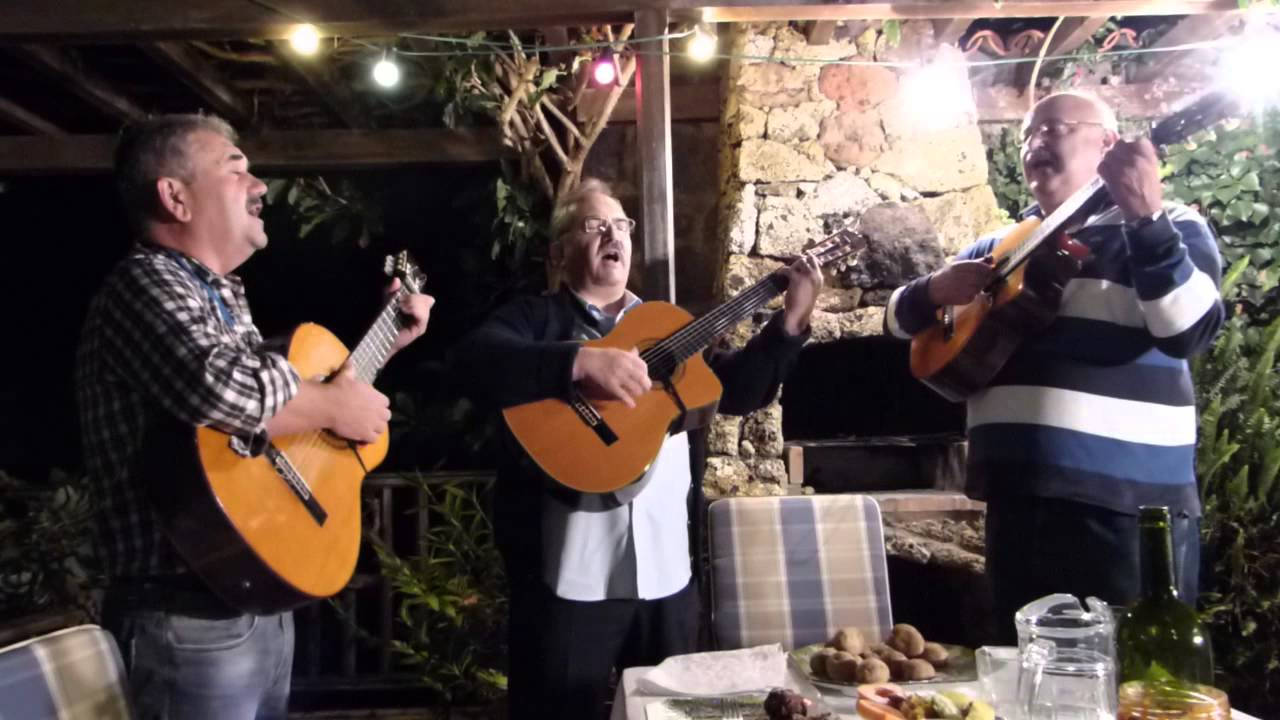 the canary islands presentation Trio tijarafe with fabio caceres, arturo diaz and berto diaz give a concert at casa don angel in puntegorda, la palma to celebrate the 6 premium prices (2 go.