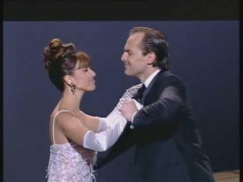 Ana Belén y Miguel Bosé - 'Tómbola' (Premios Goya 96)