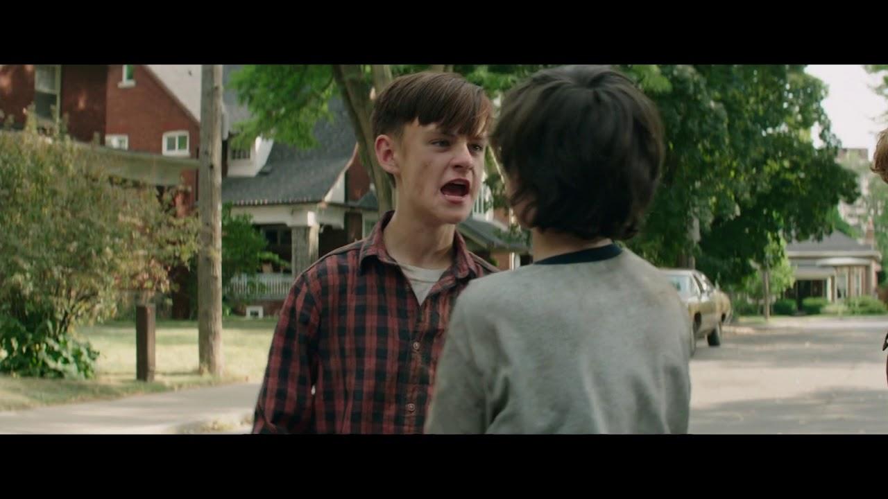 It: A Coisa - Bill dá um soco na cara de Richie