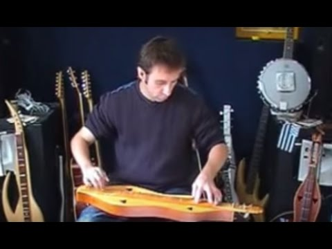 "Lovely Appalachian Dulcimer performance: ""The Foggy Dew"" by Cristian HUET"
