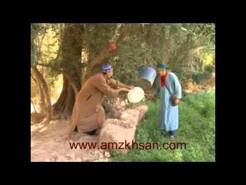 مشهد كوميدي من فيلم امازيغي  عن معاناة سكان منطقة جبال الاطلس الصغير مع الخنزير البري:
