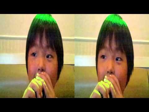侑我6歳が唄うおしりかじり虫です。 SH-12Cで3D撮影しました。