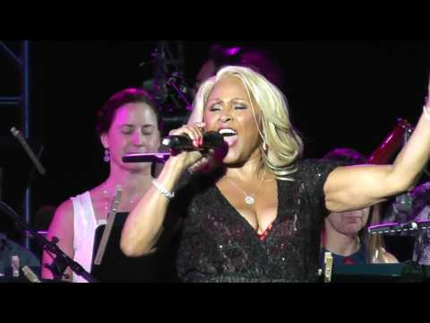Darlene Love He's Sure The Boy I Love/Da Doo Ron Ron 2017