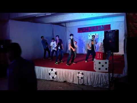 Koi Kahe Kehta Rahe Dance Performance - Boys Hostel RCOEM
