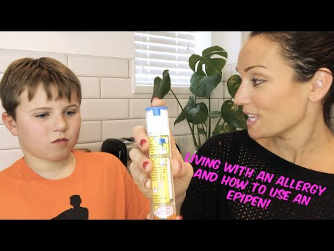 Living with allergies and how to use an epipen