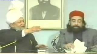 Light Moments of Hazrat Mirza Tahir Ahmad with Obaidullah Aleem Sahib {Urdu Language}
