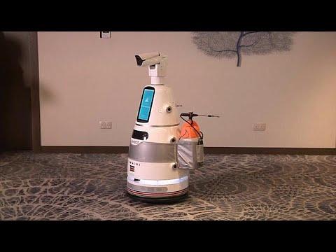 شاهد: كينيا تتسلم ثلاثة روبوتات -مضادة للوباء- من الأمم المتحدة…  - نشر قبل 22 ساعة