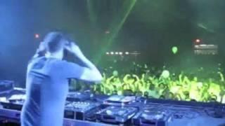 Christian Alvarez Ft Jo Leon Davenue Hands In The Air The Good Guys Remix