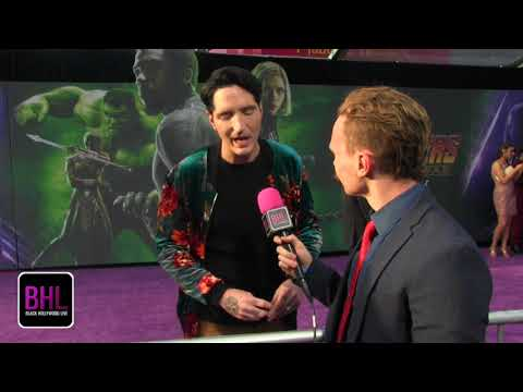 David Dastmalchian is a card & Ant carrying comic  I Avengers Infinity War World Premiere